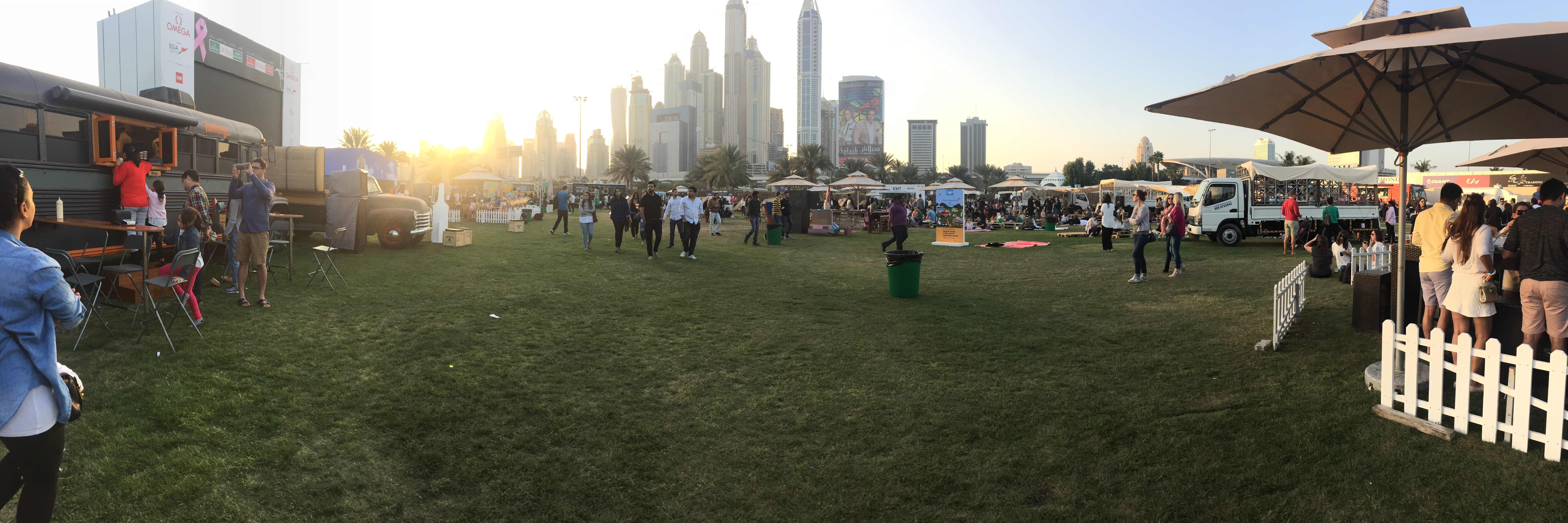 This weekend the TruckersDxb held the first Food Truck Jam at Emirates Golf Club the whole